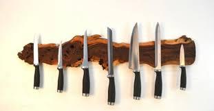 Cuisine Une Planche De Bois Aimantée Pour Vos Couteaux