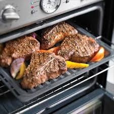 30 inch professional series double oven podc302j thermador s exclusive 5 000 watt 12 pass broil element is the most powerful on the market allowing you to broil even the largest dishes more evenly for