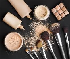what 39 s in a makeup artist 39 s makeup kit