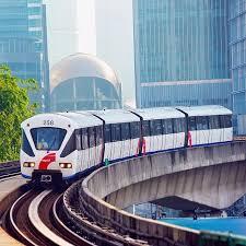 Salah satu rangkaian kereta melaju salah. Rapidkl Lrt 4 Car Train Lrt Rapidkl Kelanajaya Line Train Transit Kualalumpur Klsentral Malaysia