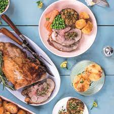From traditional easter ham and roast lamb to fresh asparagus and cheesy potato casserole, find all the recipes you need to create a delicious menu for your easter dinner. Lidl S Easy Cook Easter Dinner Options
