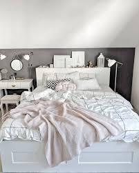 Sypialnia Szara ściana łóżko Ikea Brimnes Bed Brimnes Ikea