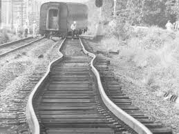 why train tracks buckle in extreme heat business insider