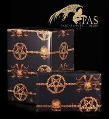 skull gift wrap the horned