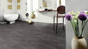 Ein pvc fußbodenbelag zeichnet sich vor allem durch qualität, nutzbarkeit und strapazierfähigkeit aus. Bodenbelage Furs Bad