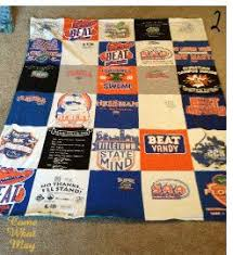 Best 25+ T shirt blanket ideas on Pinterest | T shirt tutorial, T ... & DIY t-shirt blanket. Finally found instructions that are easy and don't Adamdwight.com