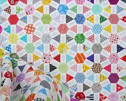 Red Pepper Quilts: Wagon Wheel Quilt - An English Paper Piecing ... & Wagon Wheel Quilt   English Paper Piecing   © Red Pepper Quilts 2017 Adamdwight.com