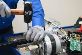 remove the worm gear roll pin