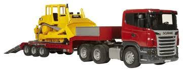 Набор техники <b>Bruder</b> Прицеп-платформа <b>Scania</b> с гусеничным ...