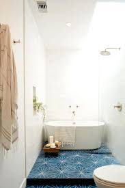 Room With Bathtub Pro Tips For Your Most Stylish Small Space Ever Hotel Q