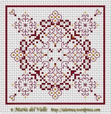 Blackwork Cross Stitch Charts Free Chart For Biscornu Cross Stitch This Looks Like A