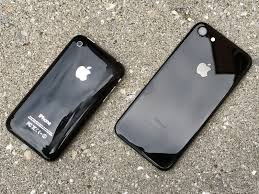 iphone 7 jet black vs matte black. apple sold over 70 million iphones last quarter. the company didn\u0027t say how many out of those were (matte) black iphone 7 but it\u0027s certainly a iphone jet vs matte