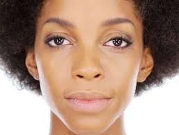 a natural makeup look perfect for dark skin tones