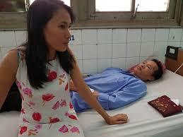 """Image result for thăm vợ chồng anh Toàn chị Loan hiện vẫn đang phải điều trị do bị đánh đập hôm 17/6"""" [Xem hình]."""
