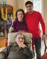 حكاية 3 صور لـ حسني مبارك وزوجته في آخر شهرين