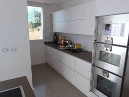 2 cucina moderna bianco opaco er. ma. da. mobilificio progetta
