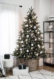 Try these Incredibly Chic Modern Minimalist Christmas Trees as inspiration  (they're also alternatives ...