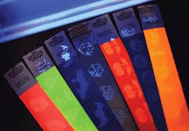 Контрольные браслеты бумажные в Красноярске Рист Бэнд браслеты для контроля посетителей неоновые