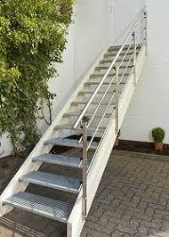 Treppen mit podest (und geländer) als fertigen bausatz kaufen. Aussentreppe Bausatz Aussen Treppen Holzkomplett De