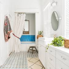 can you paint vinyl flooring in a bathroom