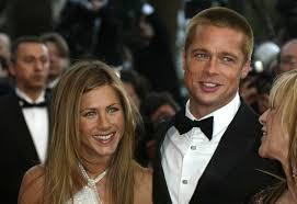 Brad Pitt & Jennifer Aniston Sitting 'Feet Apart' At Golden ...