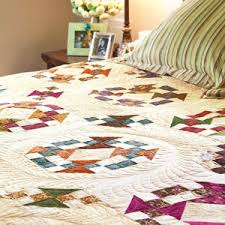 King Size Quilt Patterns Beauteous Homeward Journey Scrappy KingCalifornia King Size Bed Quilt