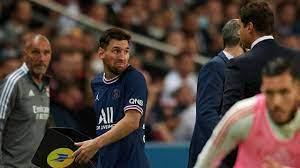 شاهد.. ميسي الغاضب يتجاهل تحية مدرب باريس سان جيرمان