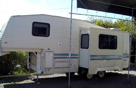prowler camper floor plans images 1999 lance camper floor plans tr 1993 prowler 32 travel trailer floor plans komfort rv