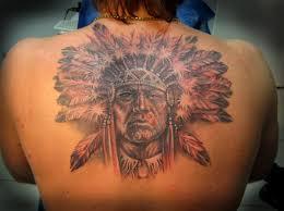 фото тату голова индейца с перьями татуировки и эскизы воины