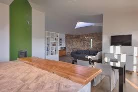 Cucina #living #penisola #tavolo #sedie #legno #bianco #verde