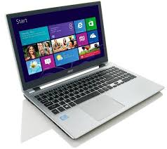 the 999 acer windows 8 laptop comes with a touchscreen that s a feature apple can