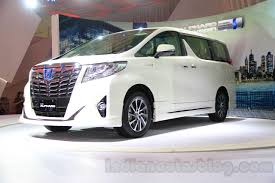 Toyota Alphard Hybrid front three quarter right at the Gaikindo ...