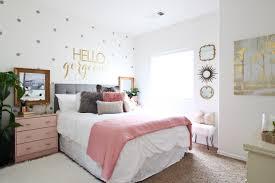 Surprise Teen Girl's Bedroom Makeover