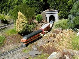 g scale model train in the oregon botanical gardens