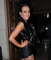 celebrities in leather  stephanie davis wears leather hotpants