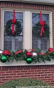 christmas-window-decoration-11