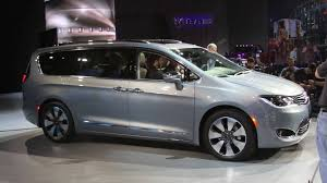 2018 chrysler town and country van. plain 2018 chrysler 2018 chrysler town and country minivan  cars inside chrysler town and country van t