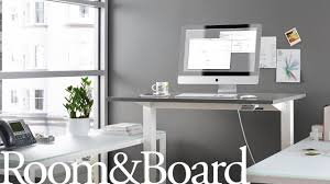 lifting the float standing desk by humanscale