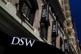 Dsw Designer Shoe Warehouse Home Office Columbus Oh Columbus Based Dsw Bets Nail Salons In Shoe Stores Will Lure