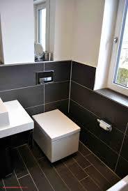 Badezimmer Dunkler Fussboden