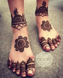 Simple Round Mehndi Design Pin By Sana On Henna Mehndi Legs Mehndi Design Leg Mehndi