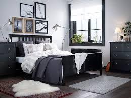 In diesem wohnzimmer wurden mehrere farben für holz kombiniert. Schlafzimmer Dunkel Modern Einrichten Ikea Deutschland