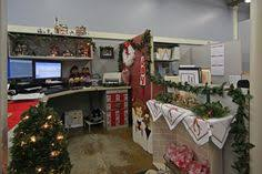 Christmas office decorating Ceiling Office Interiors Christmas Present Decoration Office Christmas Decorations Decoration Noel Cubicle Decorations Pinterest 169 Best Cubicle Christmas Office Decorating Contest Images