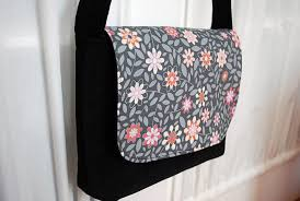 Kid-sized Messenger Bag Free Pattern and Sewing Tutorial ... & Kid-sized Messenger Bag Free Pattern and Sewing Tutorial Adamdwight.com