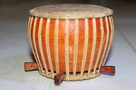 Jenis alat musik tradisional yang pertama yaitu gamelan. 9 Alat Musik Riau Lengkap Gambar Sejarah Dan Penggunaanya
