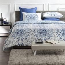 tiffany wrinkle resistant reversible print 100 organic cotton blue white queen duvet cover set