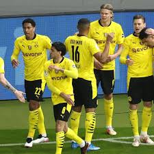 Before black veil brides he was the drummer of silent civilian between the years of 2006 and late 2007 and went by chris mad man mora. Bvb Ist Dfb Pokalsieger Top Noten Fur Reus Und Co