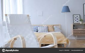 Leeren Entspannenden Stuhl Schlafzimmer Stockfoto Ramerocrist