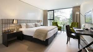 So könnt ihr euer schlafzimmer gemütlich und beruhigend einrichten. 20 Ideen Fur Stilvolle Junggeselle Schlafzimmer