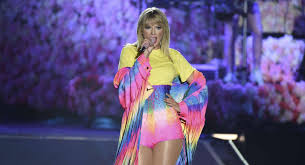 Taylor Swift Chicago Seating Chart Pollstar Reviews Taylor Swift Eric Clapton Lizzo More